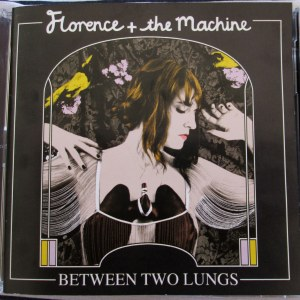 FLORENCE-AND-THE-MACHINE-BETWEEN-TWO-LUNGS-PALPITAI (1)